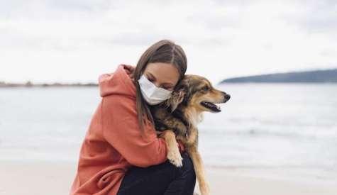 Animalele de companie legate de mentinerea unei sanatati mentale mai bune si reducerea sentimentului de singuratate, in timpul carantinei, arata un nou studiu